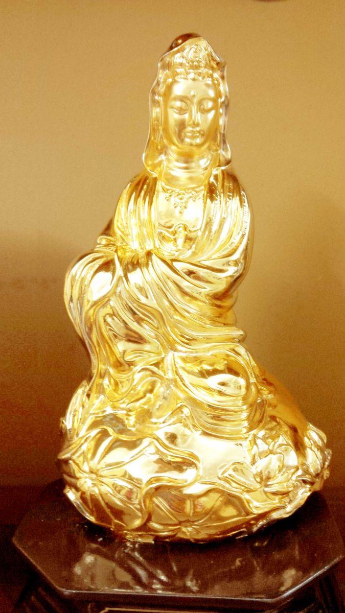 Tượng phật Quan thế âm bồ tát đúc đồng dát vàng